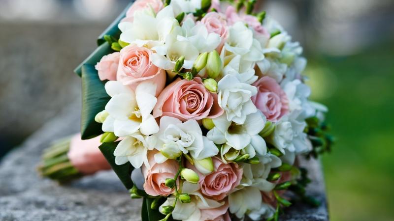 svatebni-kytice-ruze-frutiko